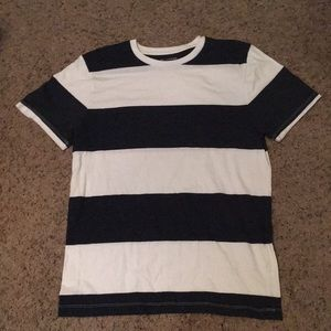 Old Navy blacks and white t-shirt men's small